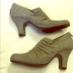 Aero soles ruched taupe faux suede bootie, 7